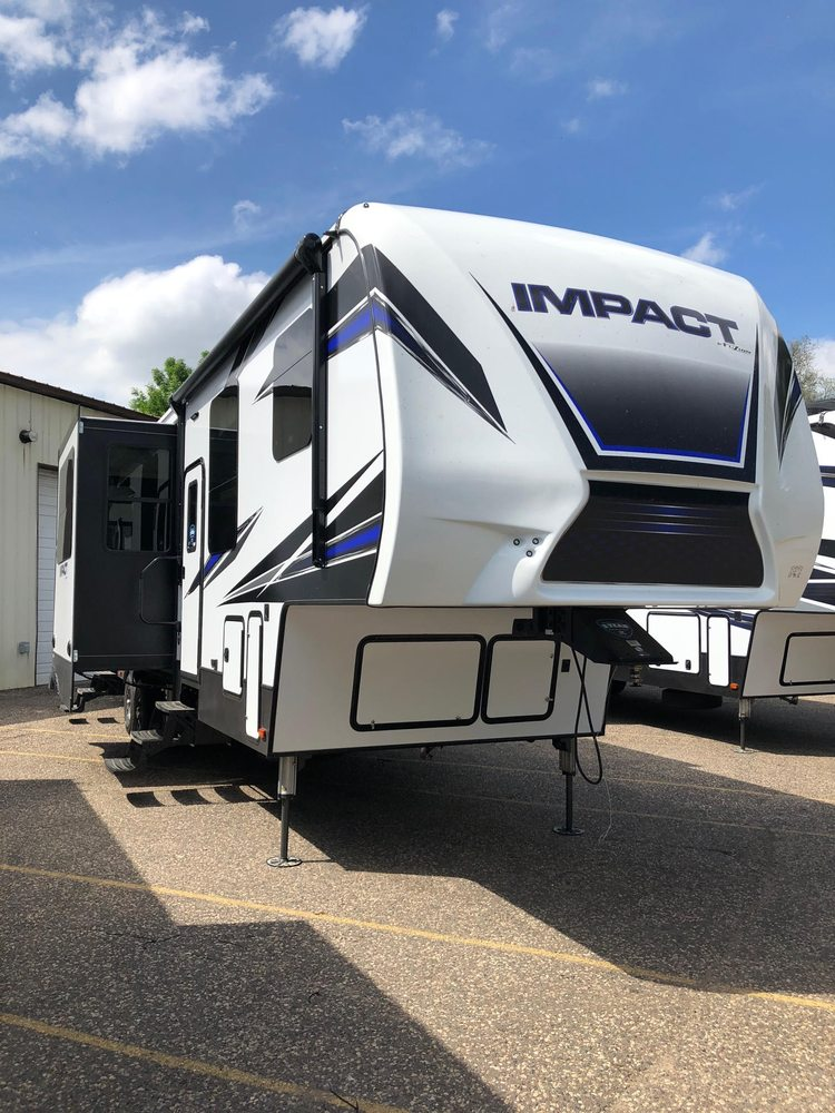 Imperial Camper: 1156 Hastings Ave, Newport, MN
