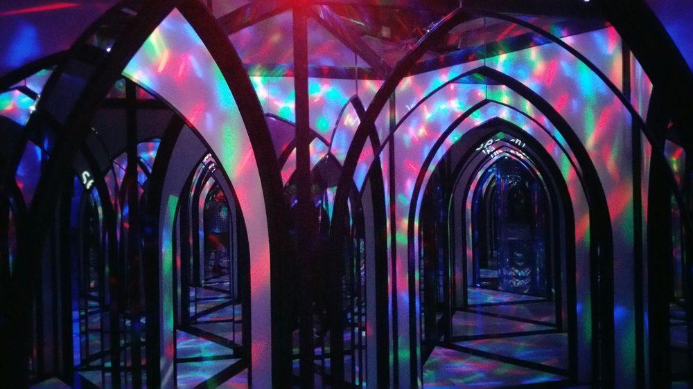 The Amazing Mirror Maze 16 Photos Amp 37 Reviews