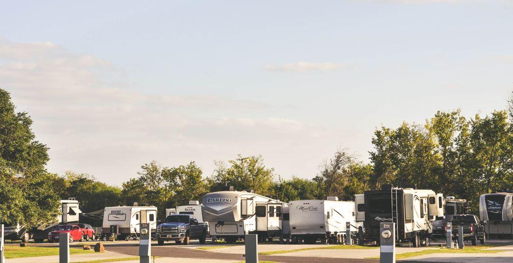 Hidden Creek RV Resort: 5780 State Hwy 21 E, Bryan, TX