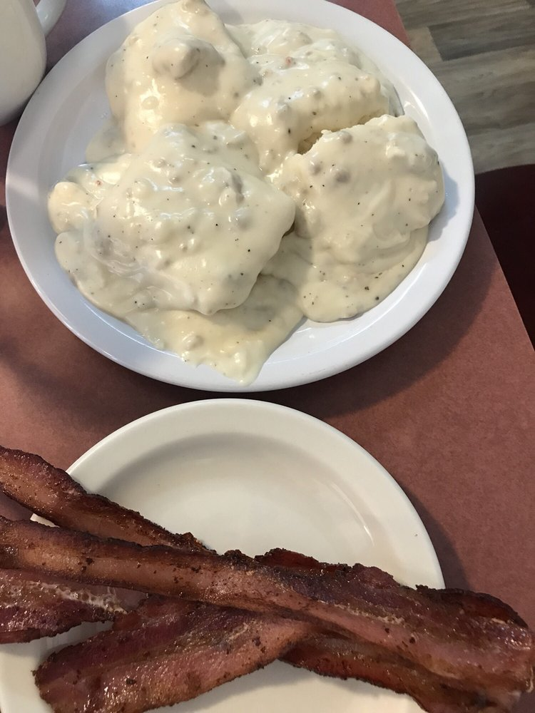 Downie's Cafe: 9320 5th St, Bay City, OR