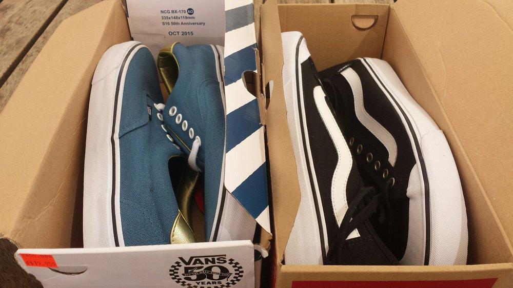 4b1e9babe012 Vans Outlet - 25 Photos   16 Reviews - Shoe Stores - 94-790 Lumiaina ...