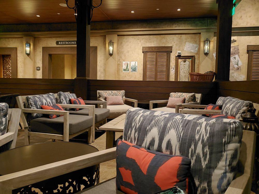 Three Bridges Bar & Grill: 1000 W Buena Vista Dr, Orlando, FL