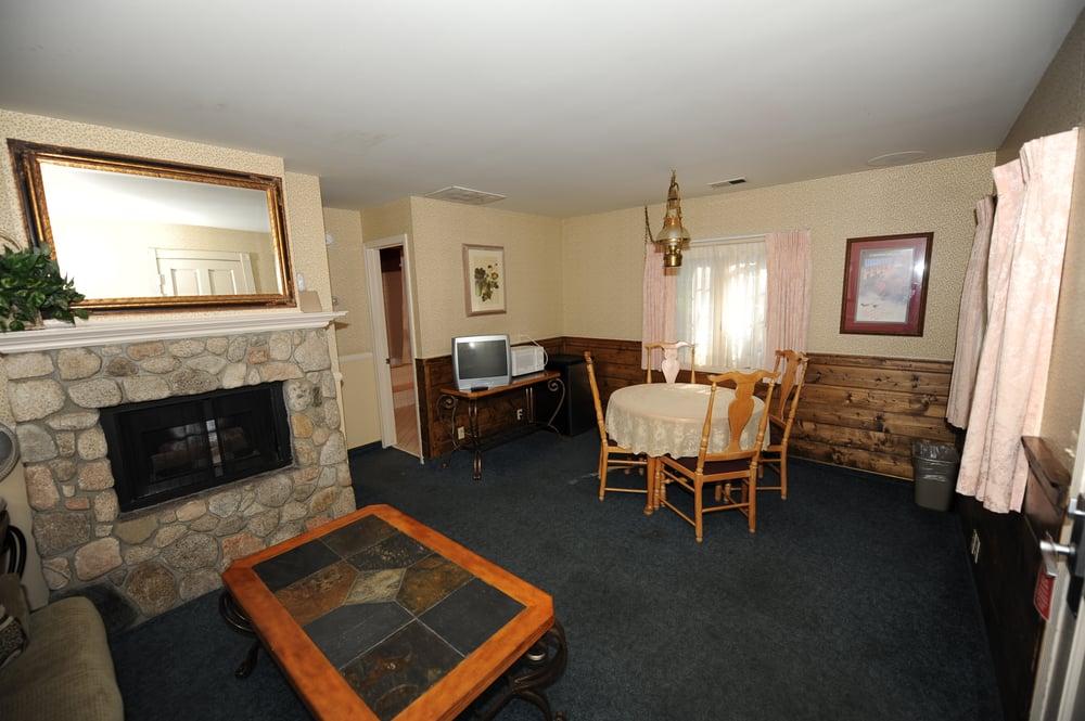 Photos For Saddleback Inn   Yelp
