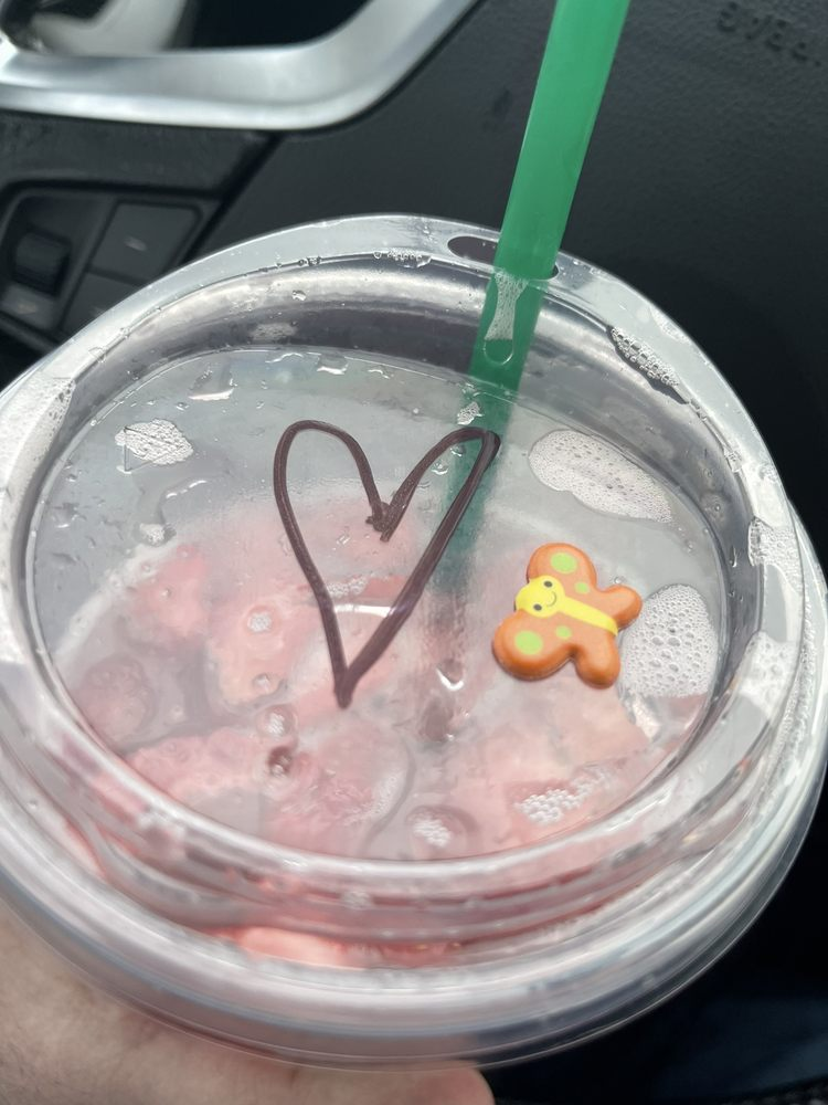 Starbucks: 703 Pike St, Marietta, OH