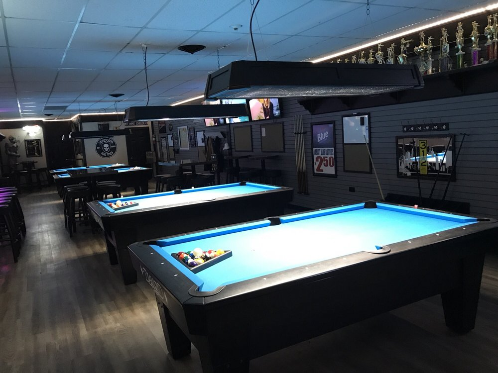 Sundown Inn Pub: 1775 Bloomingdale Rd, Glendale Heights, IL