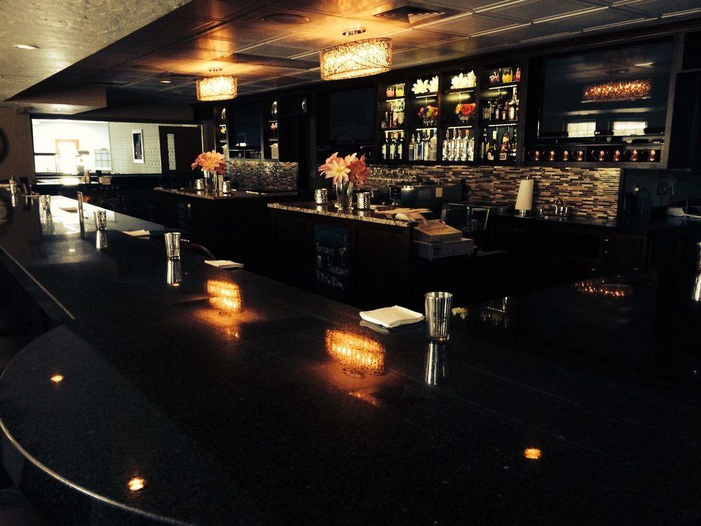 Iron Ridge Inn Restaurant: 131 S Main St, Iron Ridge, WI