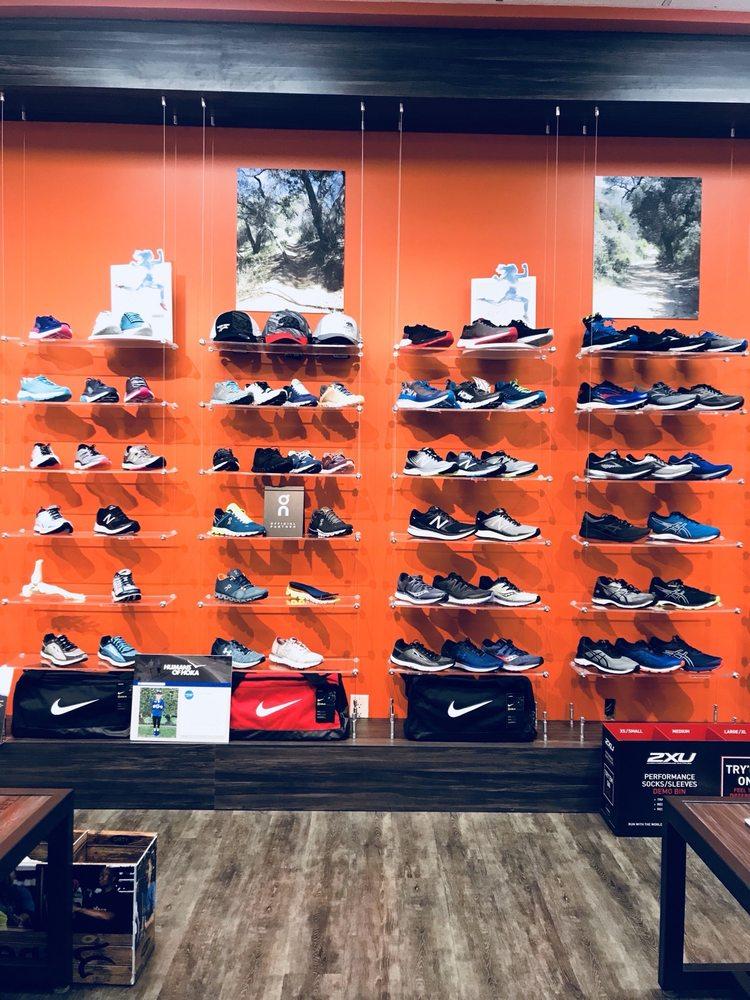 Fleet Feet: 982 S Westlake Blvd, Thousand Oaks, CA