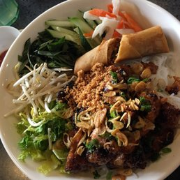 Raven d s local photos videos yelp for Ayuttaya thai cuisine