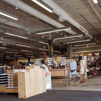 5de3d5ea8f1 DSW Designer Shoe Warehouse - 25 Photos   25 Reviews - Shoe Stores ...