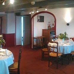 Le sillon de bretagne restaurants 14 route nationale for Salle a manger yelp