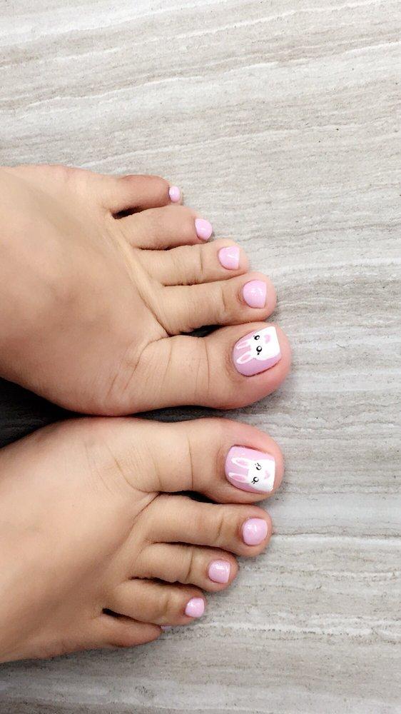 Bella Vie Nails & Spa: 25749 Barton Rd, Loma Linda, CA