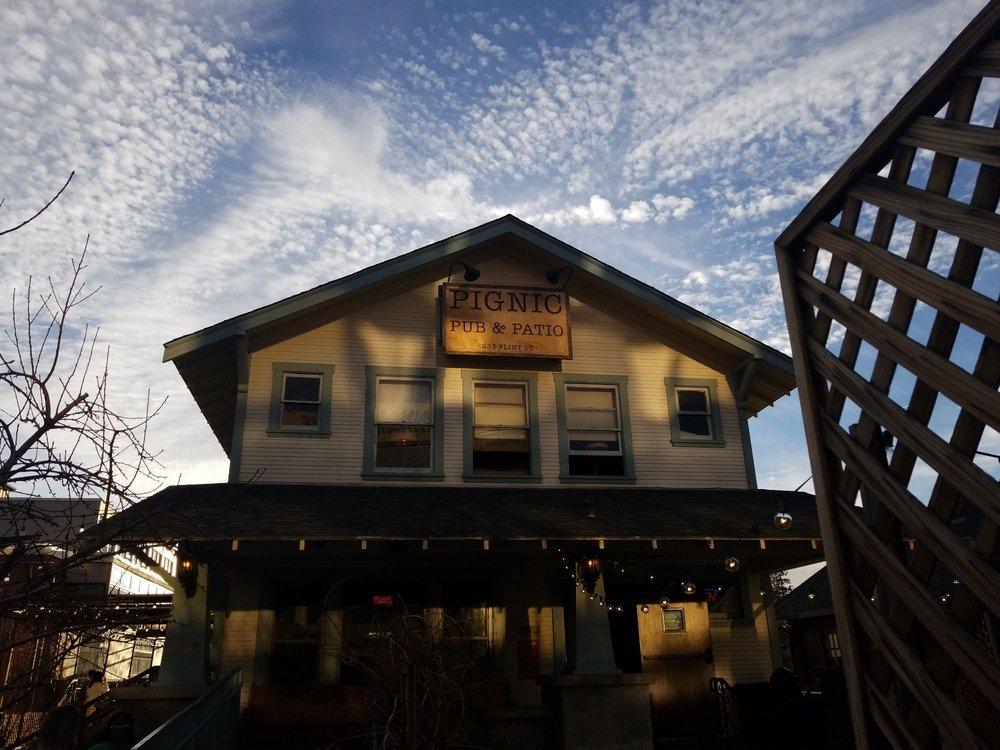 Pignic Pub & Patio