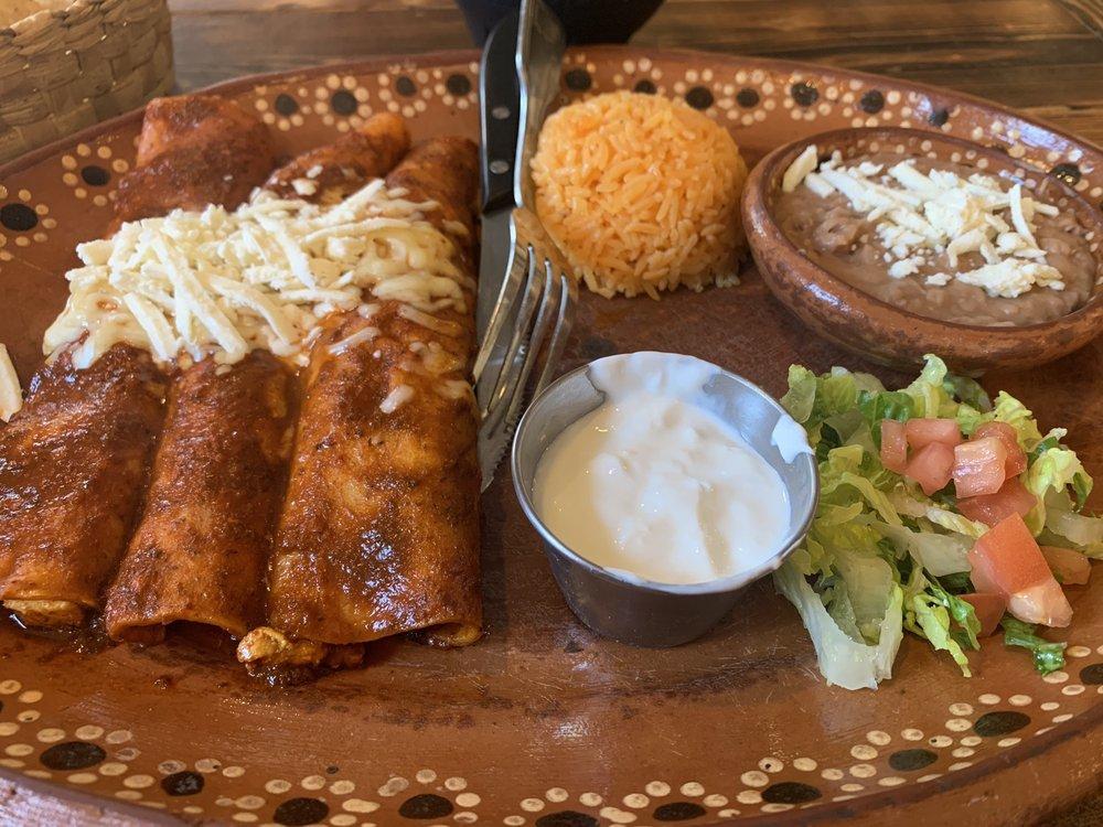 Luna Mexicana Restaurant: 900 Collins St, Joliet, IL