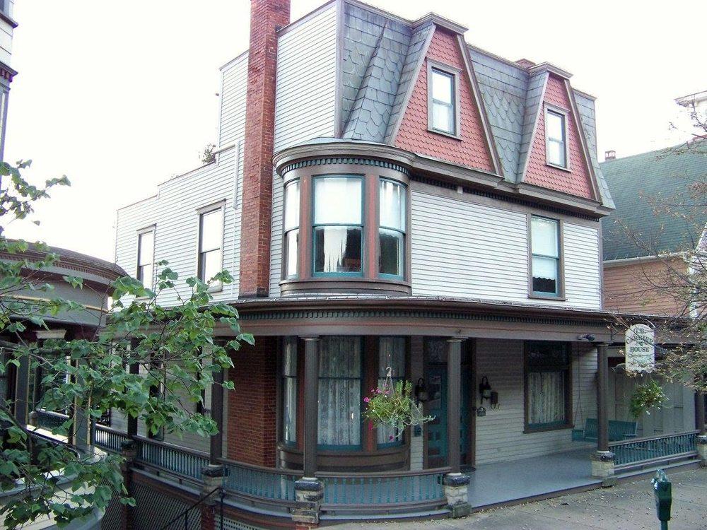 G.B. Carrier House Inn: 365 Main St, Brookville, PA
