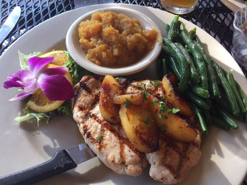 Bridgewater Inn Japanese Steakhouse and Tavern: 367 Mayhew Tpke, Bridgewater, NH
