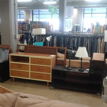 Goodwill 23 photos 91 reviews charity shops 1201 w for Furniture donation pickup seattle