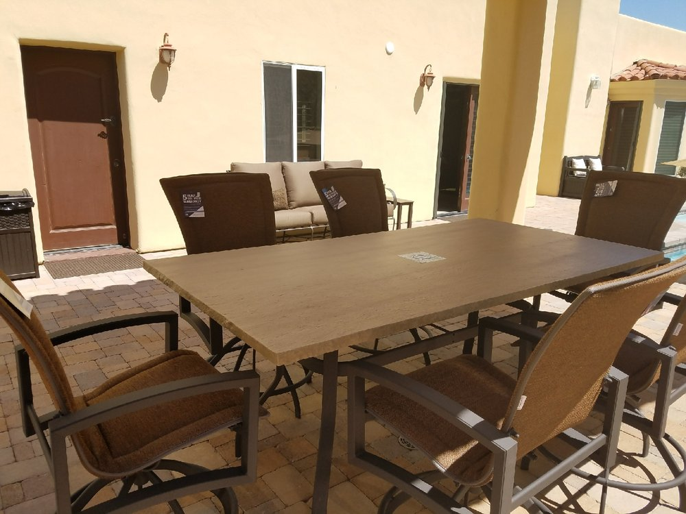 Patio Paradise: 1701 Mesquite Ave, Lake Havasu City, AZ