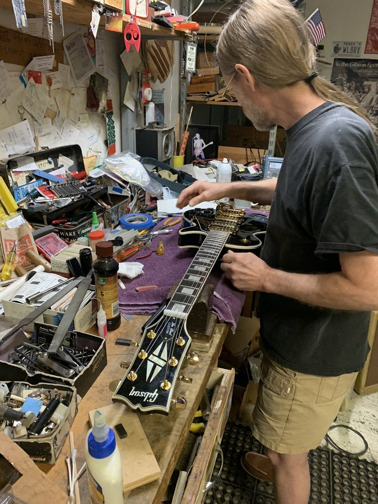 Neil Sargent Guitar Repair: 909 Thompson St, Houston, TX