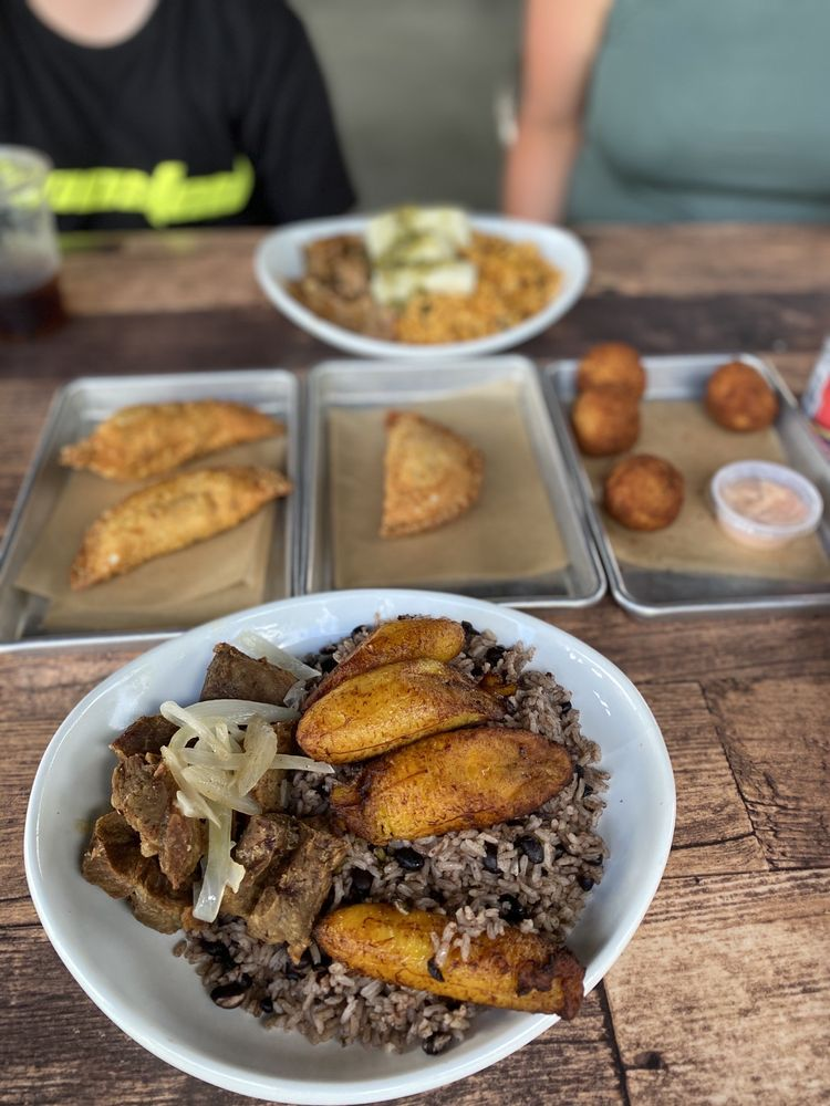 Sofrito Latin Cafe: 8607 Palm Pkwy, Orlando, FL