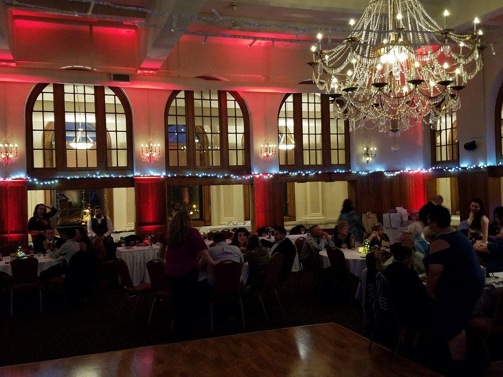 Post House Ballroom: 100 W 2nd St, Dixon, IL
