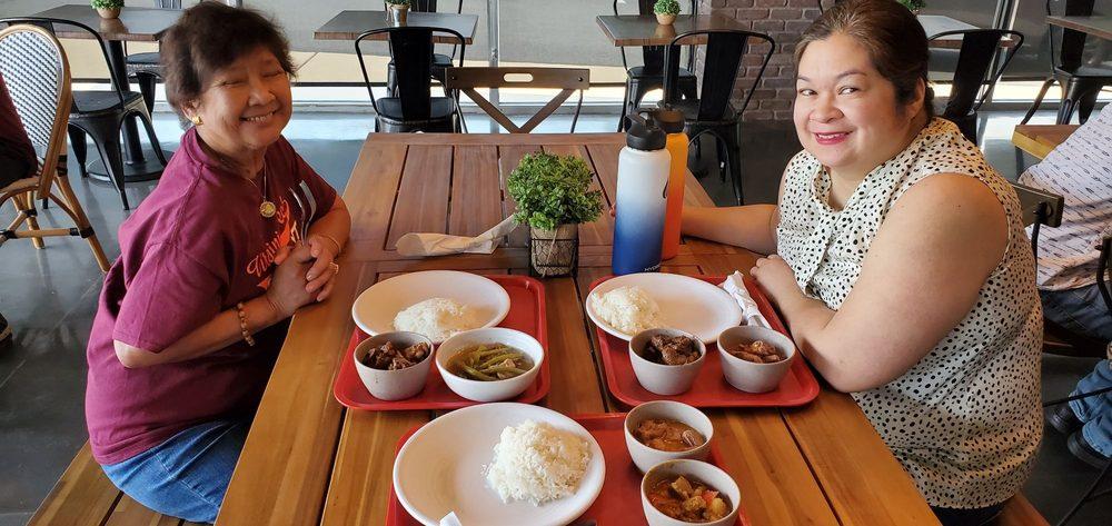 Kababayan Filipino Gourmet Food: 13352 Minnieville Rd, Woodbridge, VA