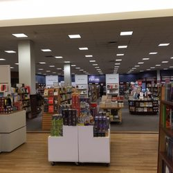 Chapters 15 Reviews Bookstores 3227 Calgary Trail NW Edmonton AB Ph