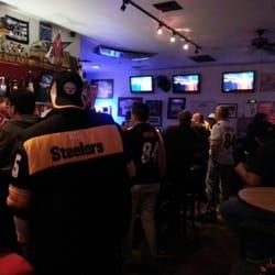 Sports Bars in West Sacramento - Yelp on madison bars, bronx bars, santa ana bars, tempe bars, los angeles bars, phoenix bars, miami bars, new york bars, san diego bars, arizona bars, san antonio bars, santa monica bars, chicago bars, boulder bars, sausalito bars, cincinnati bars, manhattan bars, atlanta bars, brooklyn bars, houston bars,