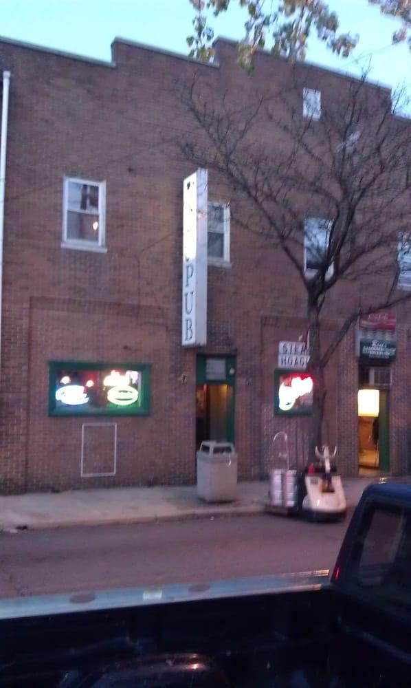 Connolly's Pub: 939 Market St, Marcus Hook, PA