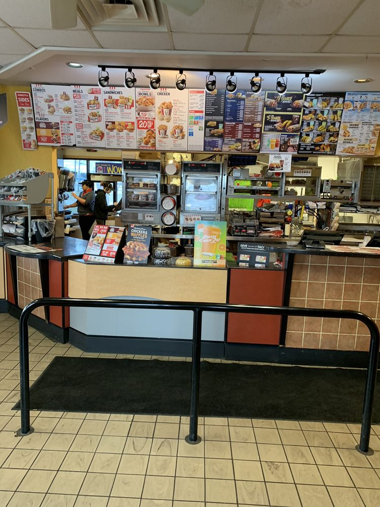 Taco Bell: 1321 E. Center Street, Ithaca, MI