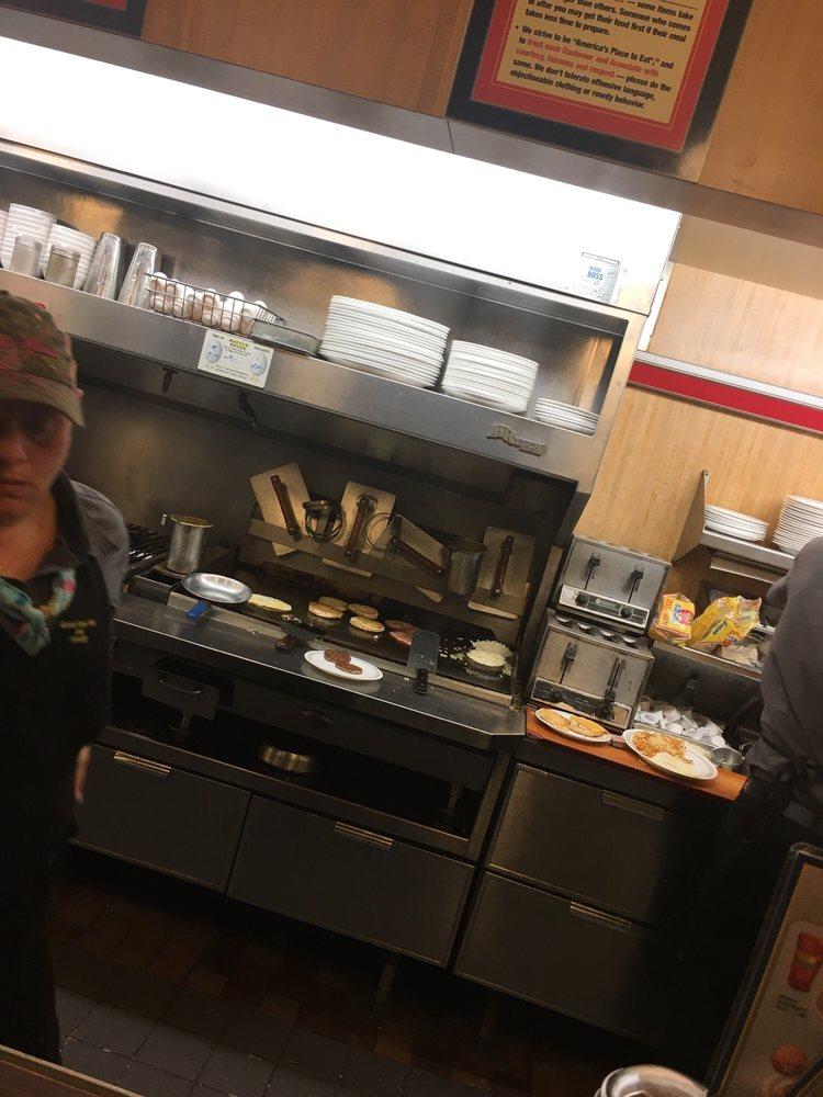 Waffle House: 1900 US 287 S, Corsicana, TX