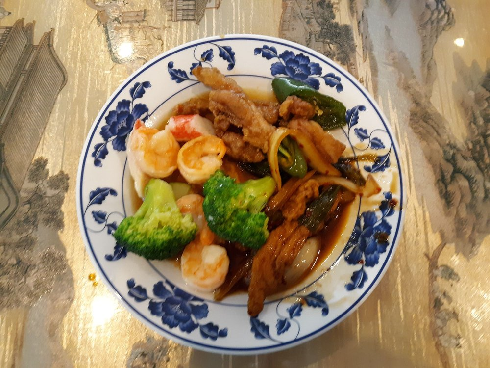 Golden China Buffet: 597 W Lincoln Trail Blvd, Radcliff, KY