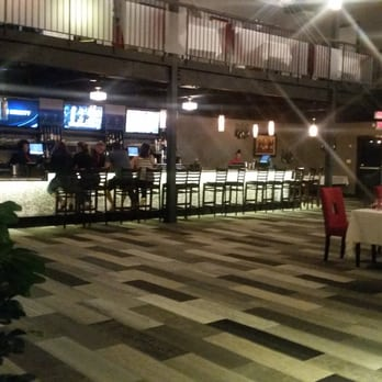 Julias Restaurant Lounge Closed 142 Photos 98 Reviews