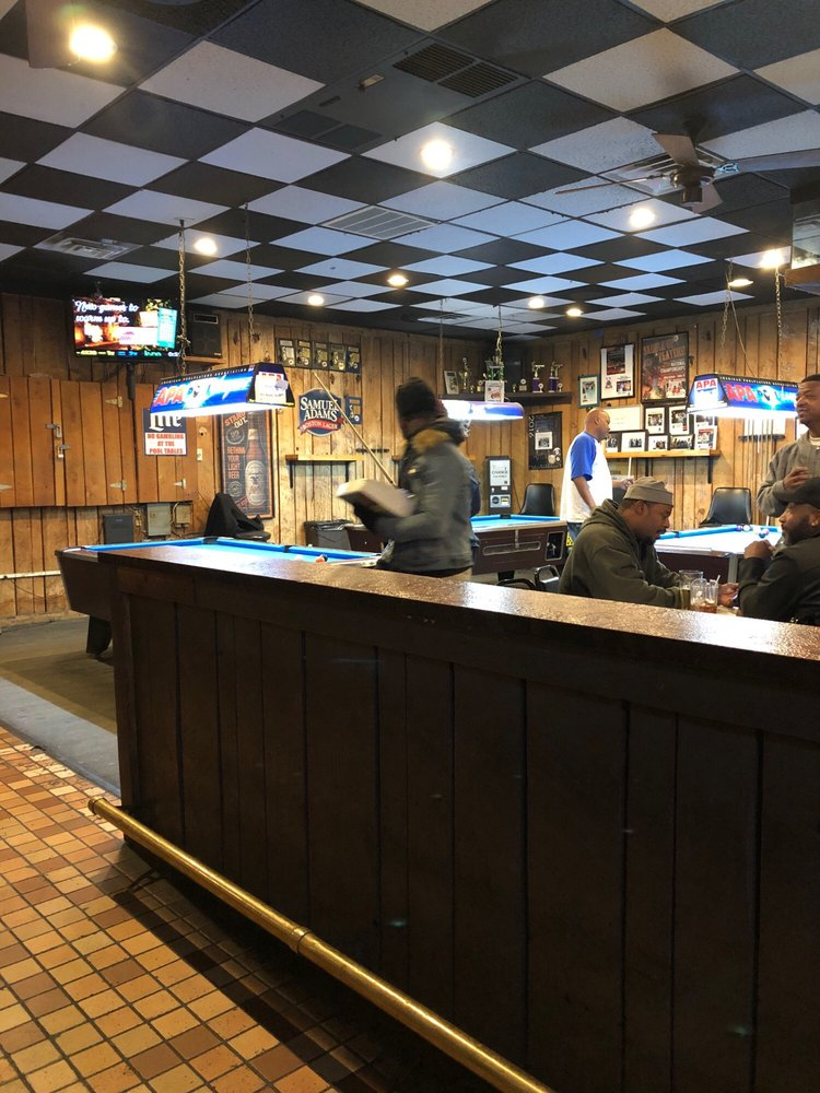 The Hideaway: 6421 Old Alexandria Ferry Rd, Clinton, MD