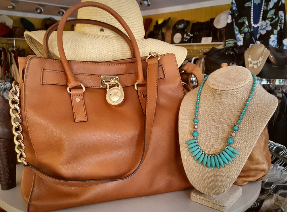 Serendipity Consignment: 409 S Hill St, Buford, GA