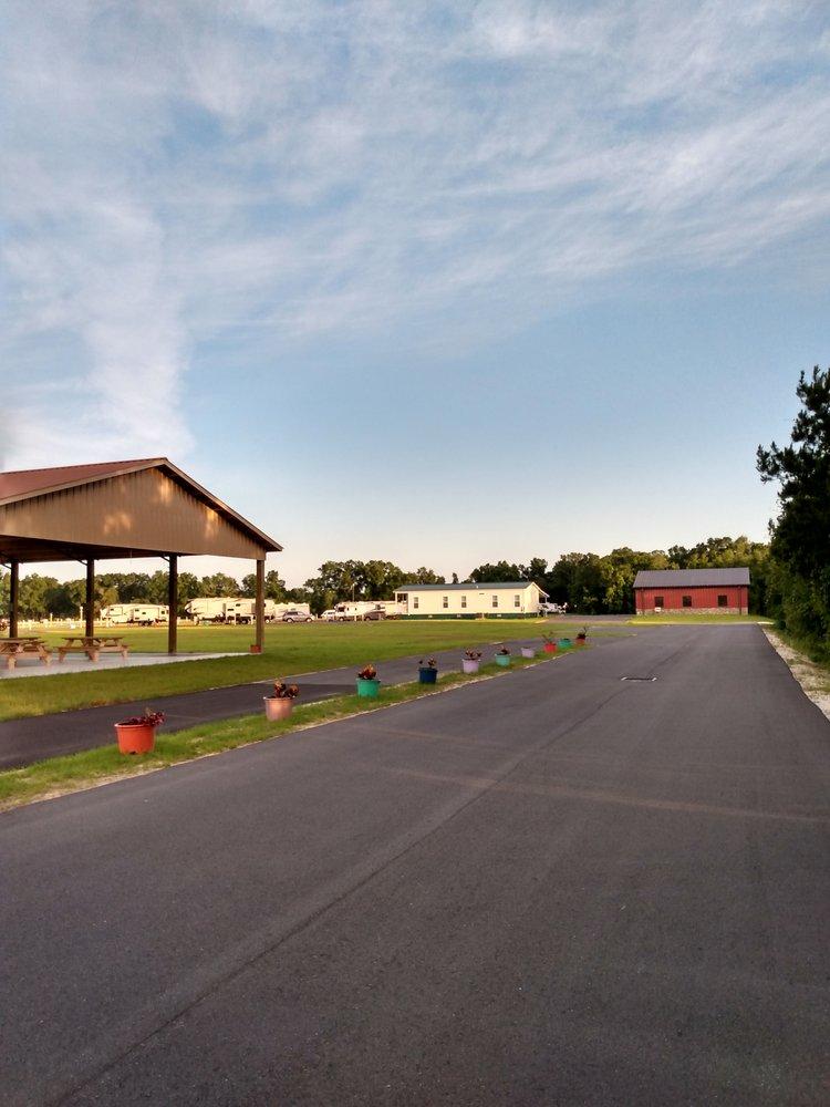 Strawberry Fields for Rv'ers: 1043 NE 4th St, Chiefland, FL