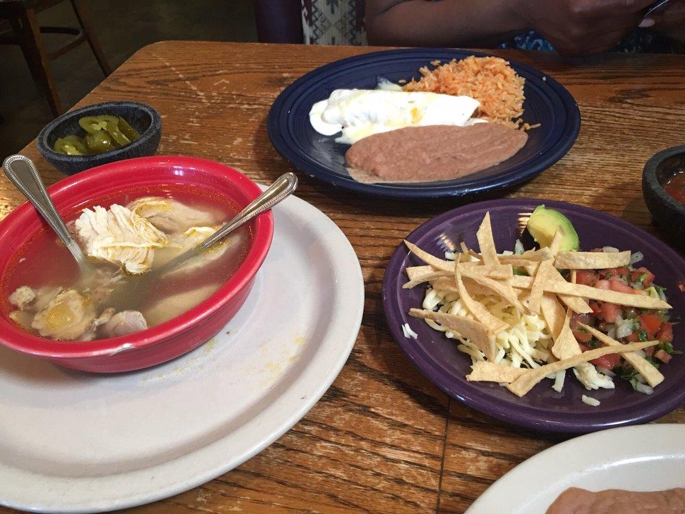 Miguelitos Mexican Restaurant: 1412 N Stemmons St, Sanger, TX