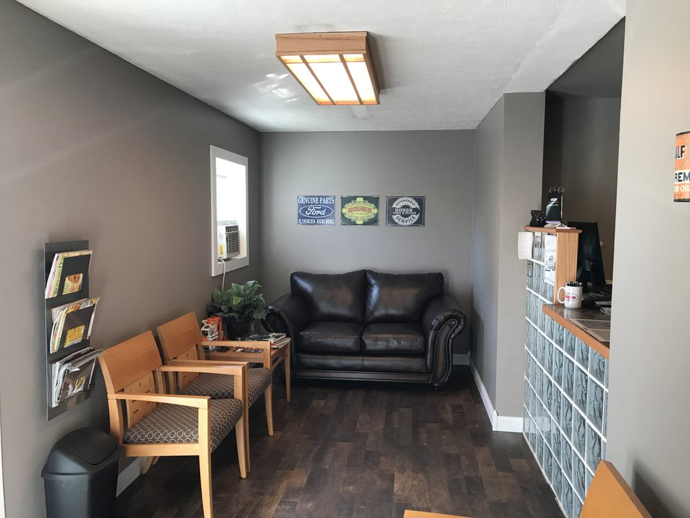 Bedford Auto Clinic: 413 Oolitic Rd, Bedford, IN