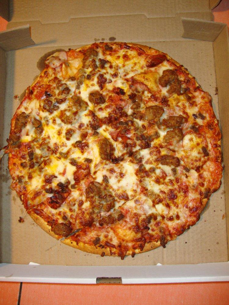 Mama Deluca's Pizzeria: 19735 Iguana St NW, Nowthen, MN