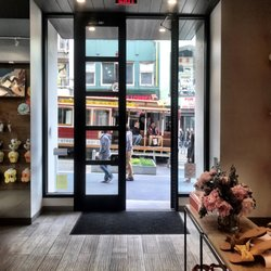 3ba1ee505 UGG-San Francisco - Shoe Stores - 221 Powell St