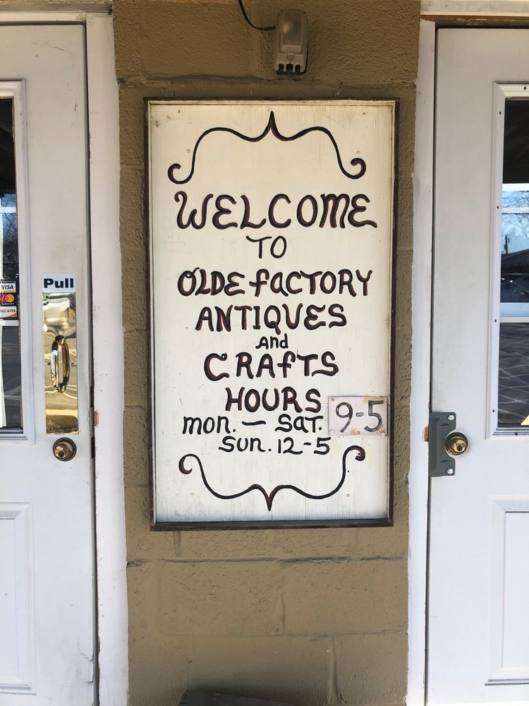 Olde Factory Antiques & Crafts: 139 S Hanover St, Hummelstown, PA