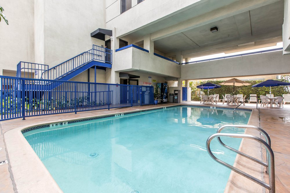 Quality Inn & Suites Los Angeles Airport - LAX | 4922 W. Century Blvd., Inglewood, CA, 90304 | +1 (310) 671-7213