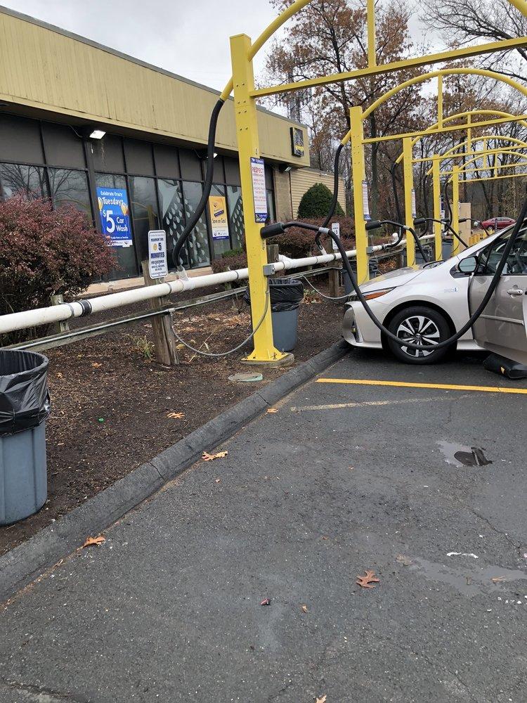Golden Nozzle Car Wash: 520 Montgomery St, Chicopee, MA
