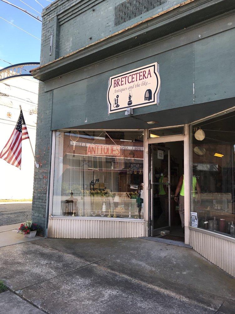 Bretcetera: 122 King St, Keysville, VA