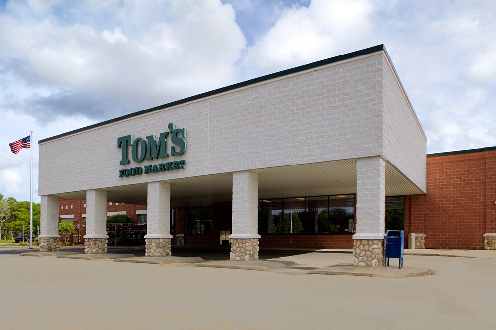 Tom's Food Market - Interlochen: 9475 Market Dr, Interlochen, MI