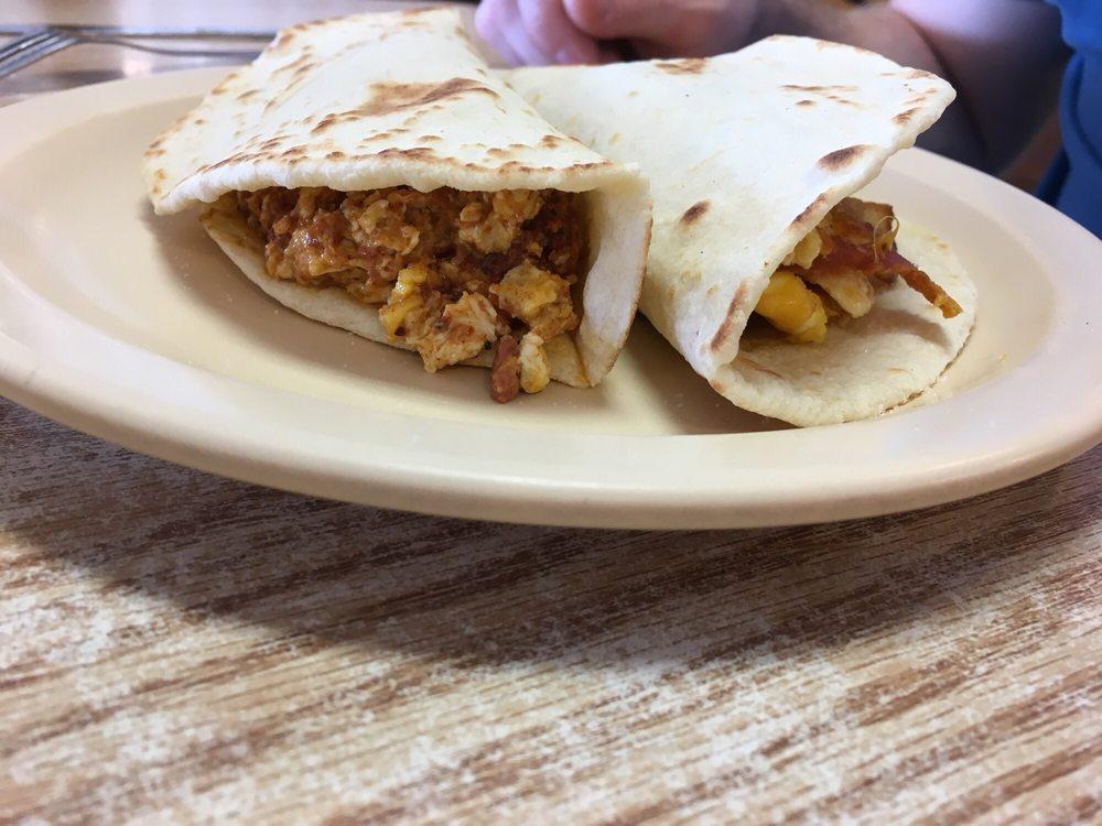 Rosita's Restaurant: 604 N 1st St, Carrizo Springs, TX