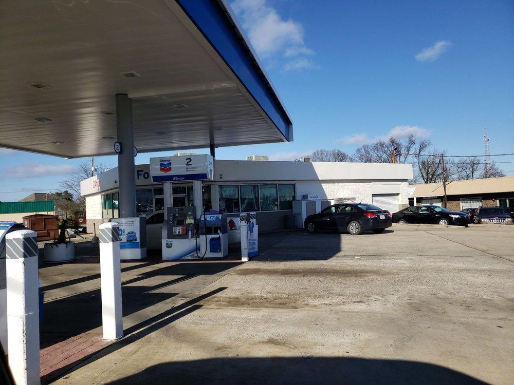 Pleasant Grove Chevron: 44 Park Rd, Pleasant Grove, AL