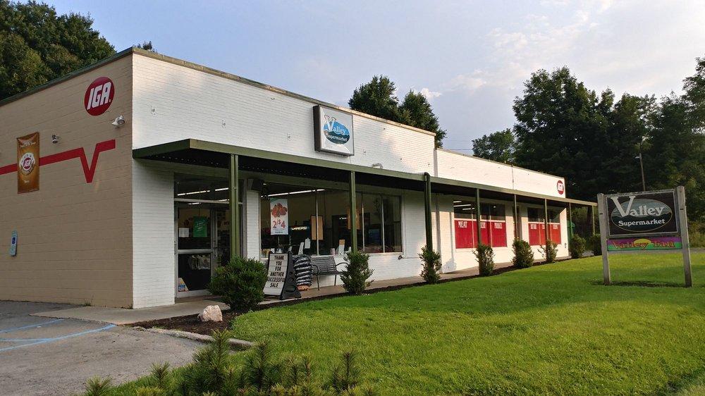 Valley Supermarket IGA: 9110 Sam Snead Hwy, Hot Springs, VA
