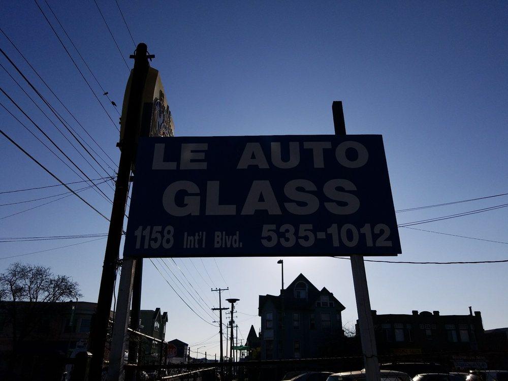 Le Auto Glass