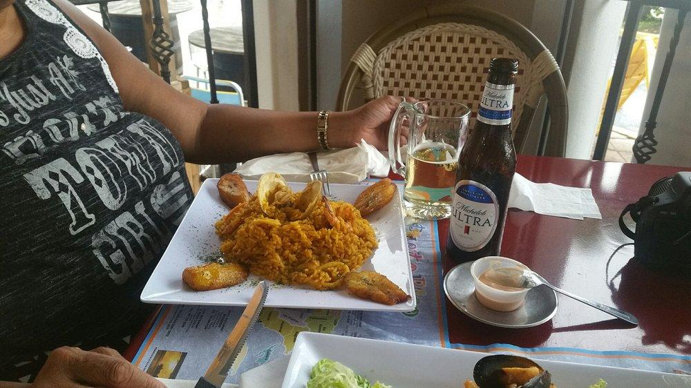 Don Tello: Av. Las Nereidas 36, Cataño, PR