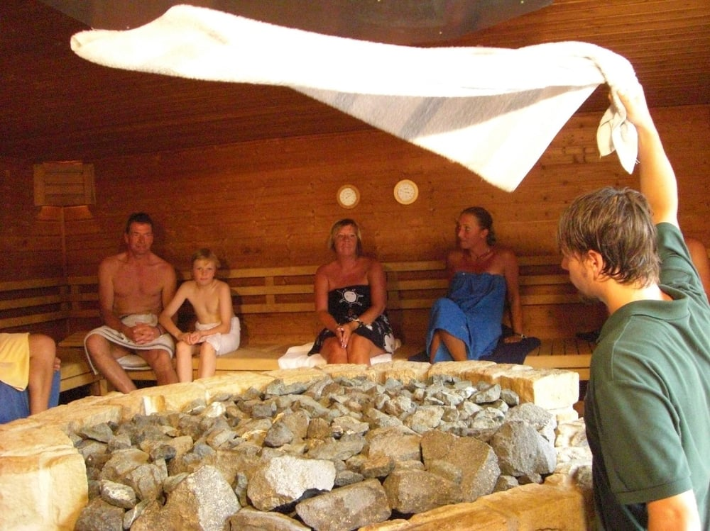 aufguss in der finnischen sauna yelp. Black Bedroom Furniture Sets. Home Design Ideas